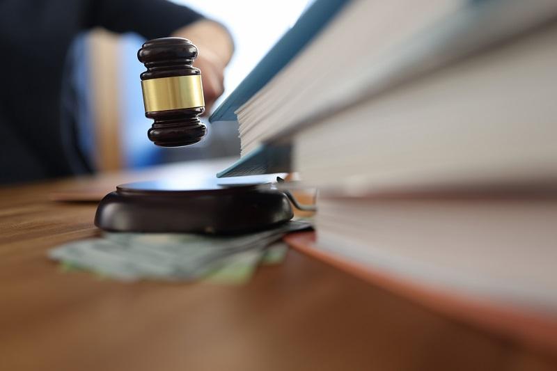 Co należy do ustawowych zadań komornika?